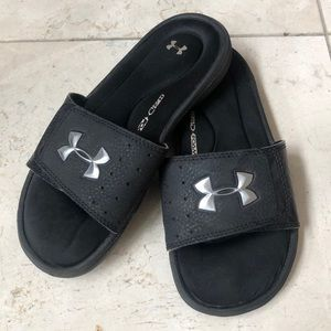 3/$20 - Under Armour youth slides